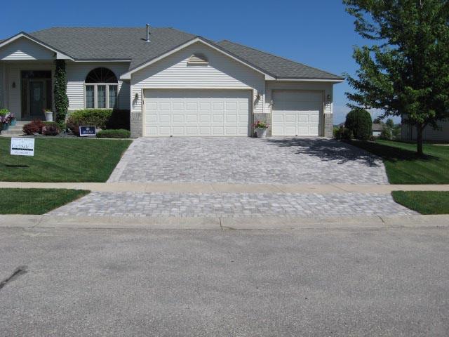 Garage Driveway Design: Driveway & Entryway Design Minneapolis