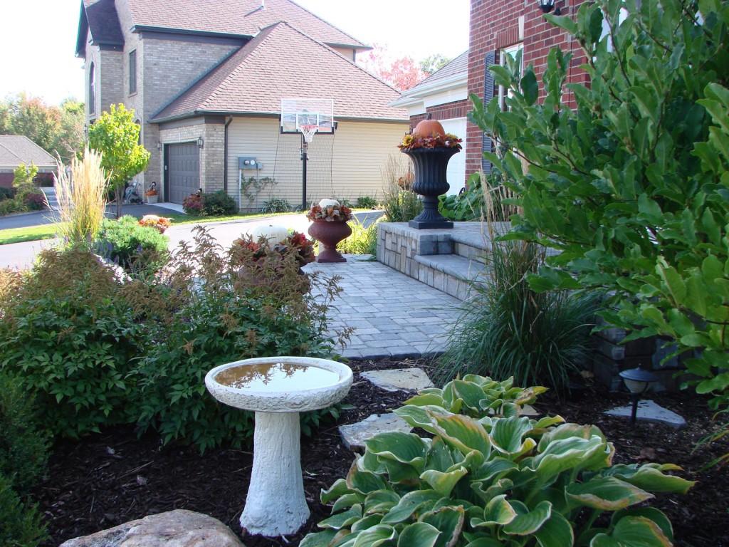 Minneapolis landscape designs landscape gallery for Curbside garden designs