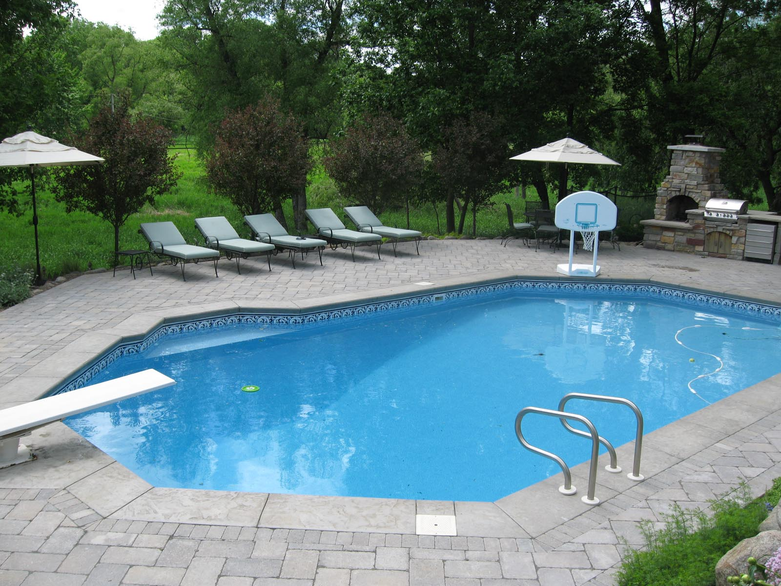 Pool Landscapes - Curbside Landscape