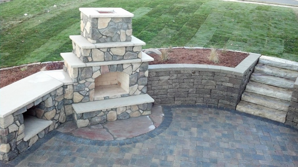 Gentil Outdoor Fireplace Landscape Design Minneapolis