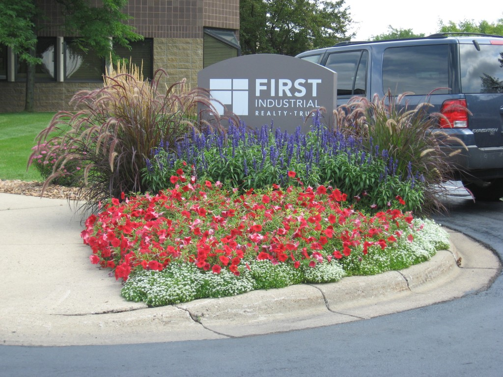 Commercial curbside landscape for Curbside garden designs