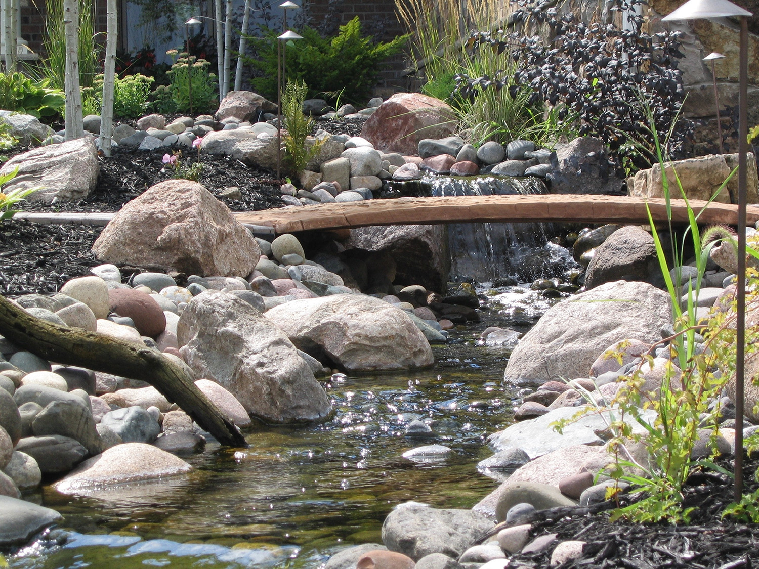 Water features minneapolis mn backyard ponds for Backyard ponds and water features